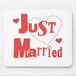 Just Married Red Heart Mouse Pad