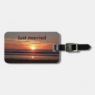 Just married sunset summer bag baggage label luggage tag