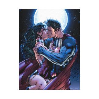 Justice League #12 Wonder Woman & Superman Kiss Canvas Print