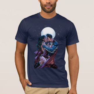 Justice League #12 Wonder Woman & Superman Kiss T-Shirt
