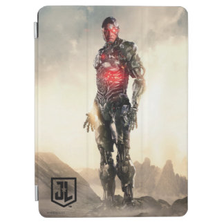 Justice League | Cyborg On Battlefield iPad Air Cover