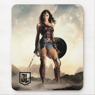 Justice League | Wonder Woman On Battlefield Mouse Mat