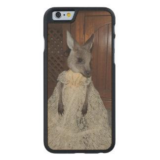 Kangaroo Joey Carved® Maple iPhone 6 Case