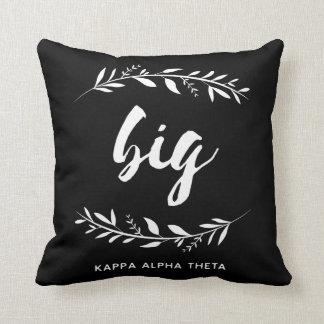 Kappa Alpha Theta   Big Wreath Cushion
