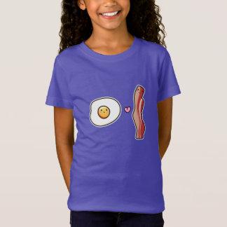 Kawaii Cute egg loves bacon T-Shirt