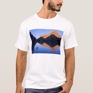 Kayaking on the Colorado River in Spanish T-Shirt