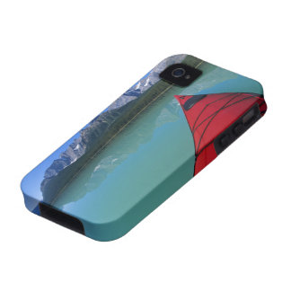Kayaking on Waterfowl Lake below Howse Peak Case-Mate iPhone 4 Case