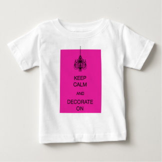 KEEP CALM AND DECORATE ON TSHIRT