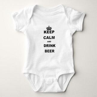 KEEP CALM AND DRINK BEER TSHIRTS
