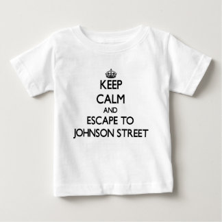 Keep calm and escape to Johnson Street Massachuset T-shirt