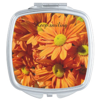 Keep smiling floral compact mirror