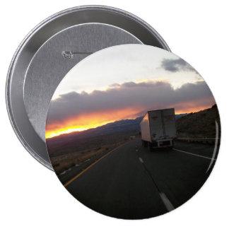 Keep Truckin 10 Cm Round Badge