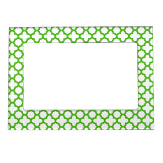 Kelly Green Quatrefoil Pattern Magnetic Frame