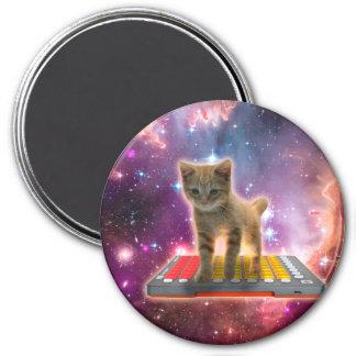 keyboard cat - tabby cat - kitty 7.5 cm round magnet
