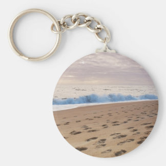 KeyChain: Beach waves and footprints Basic Round Button Key Ring