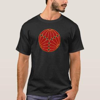 Kiku Chrysanthemum Mon red faux gold on black T-Shirt