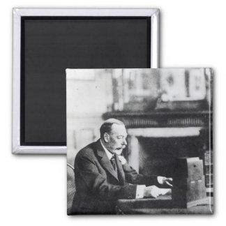 King George V Magnet