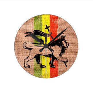 King lion round clock