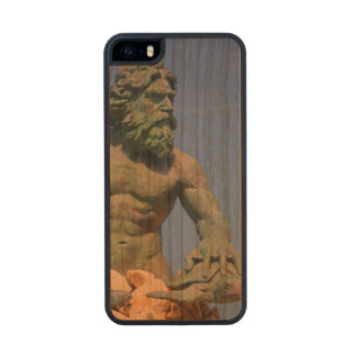 King Neptune Carved® Cherry iPhone 5 Slim Case
