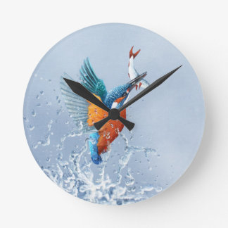 Kingfisher flying out of the water round clock