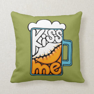 kiss me - beer icon cushion
