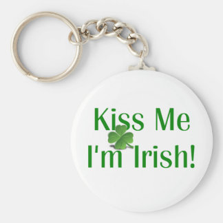 Kiss Me I'm Irish Shamrock Basic Round Button Key Ring