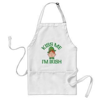 Kiss Me I'm Irish Smooching Man Standard Apron