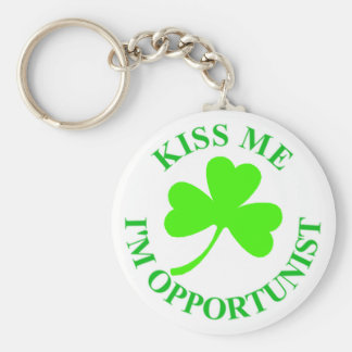 KISS ME IM OPPORTUNIST IRISHTSHIRT MUG CARD BASIC ROUND BUTTON KEY RING