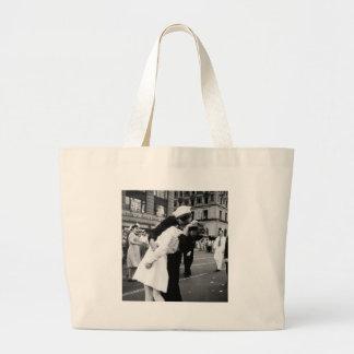 Kissing the War Goodbye at Times Square Canvas Bag