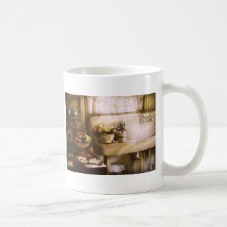 Kitchen - A 1930's Kitchen Mugs