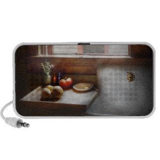Kitchen - Sink - Farm Kitchen Notebook Speaker