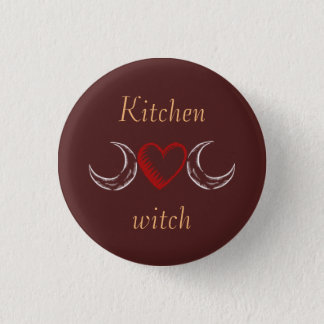 Kitchen witch 3 cm round badge