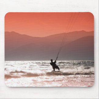 Kite surfers mouse mat