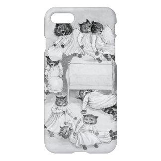 Kitten Pillow Fight! Louis Wain iPhone 7 Case