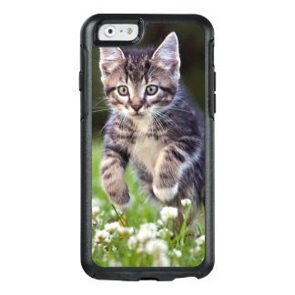Kitten Running Through Clover OtterBox iPhone 6/6s Case