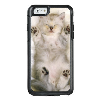 Kitten Sleeping on a White Fluffy Carpet, High OtterBox iPhone 6/6s Case