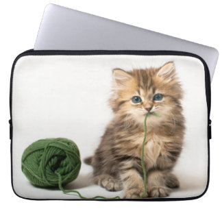 Kitten With Green Yarn Laptop Sleeve