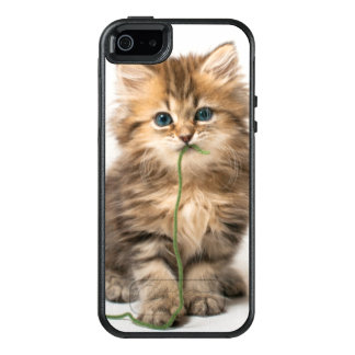 Kitten With Green Yarn OtterBox iPhone 5/5s/SE Case