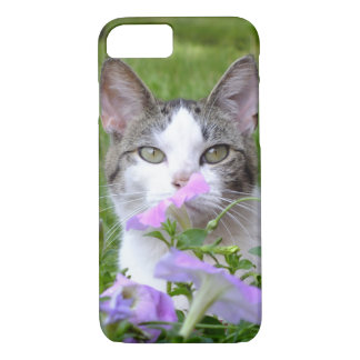 Kitty Smelling The Flowers iPhone 7 Case