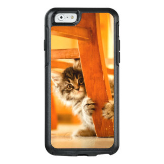 Kitty Under Chair OtterBox iPhone 6/6s Case