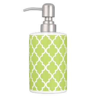 Kiwi Green Quatrefoil Tiles Pattern Soap Dispenser And Toothbrush Holder