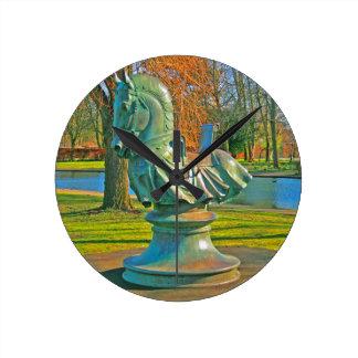 Knight Round Clock