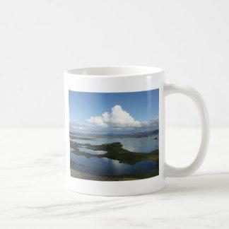 Krater und Vulkane Basic White Mug
