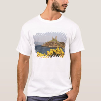 Kyleakin, Scotland. The ancient ruins of 2 T-Shirt