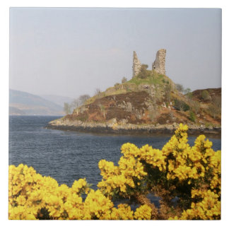 Kyleakin, Scotland. The ancient ruins of 2 Tile