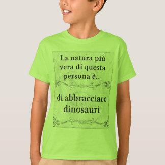 La natura più vera: abbracciare dinosauri amicizia t shirts