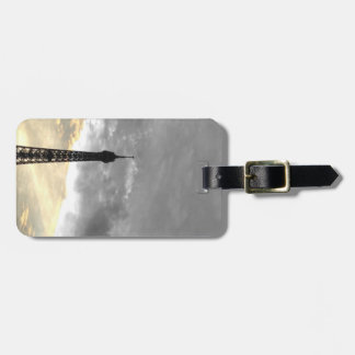 Label luggage Eiffel Tower gold and money Luggage Tag