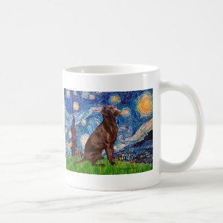 Labrador (Chocolate1) - Starry Night Coffee Mugs