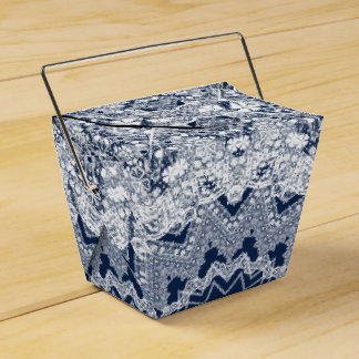 Lace decoration favour box