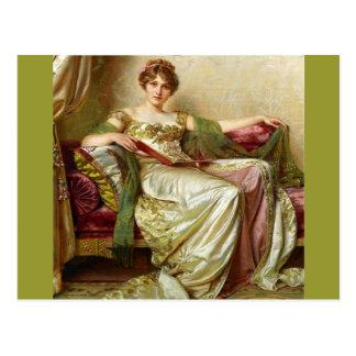 Lady in waiting - Vintage Motive Postcard